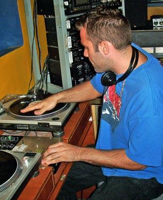 DJ Devious on the wheels of steel, WEFUNK 347